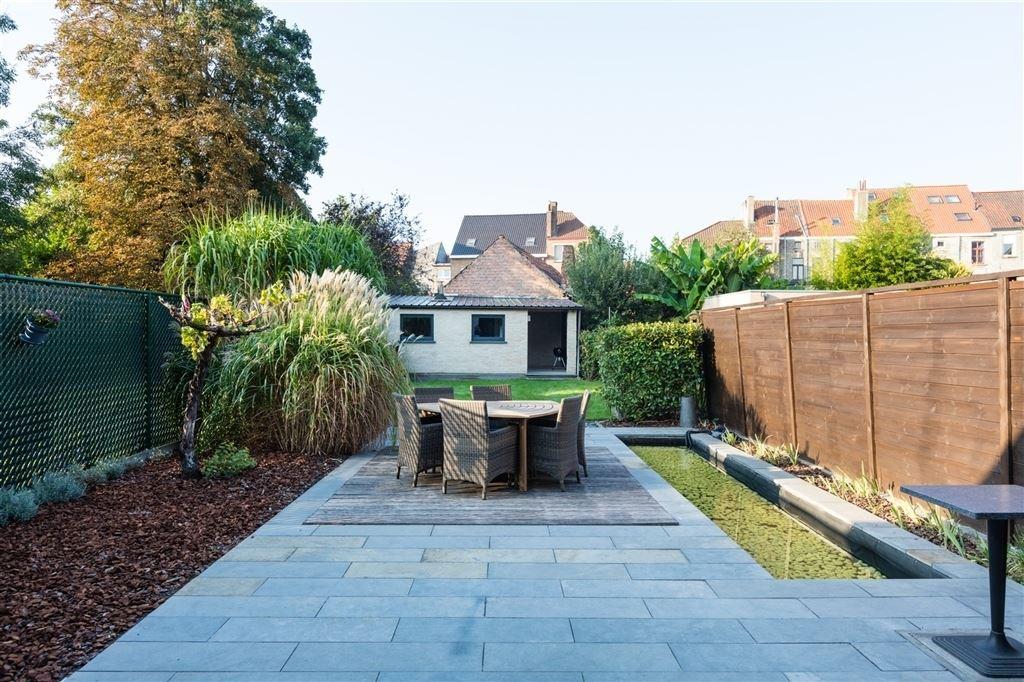 Gelijkvloers appartement met zuid gerichte tuin woningen for Appartement met tuin te koop