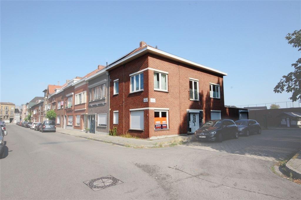 Ruime hoekwoning nabij Gent centrum