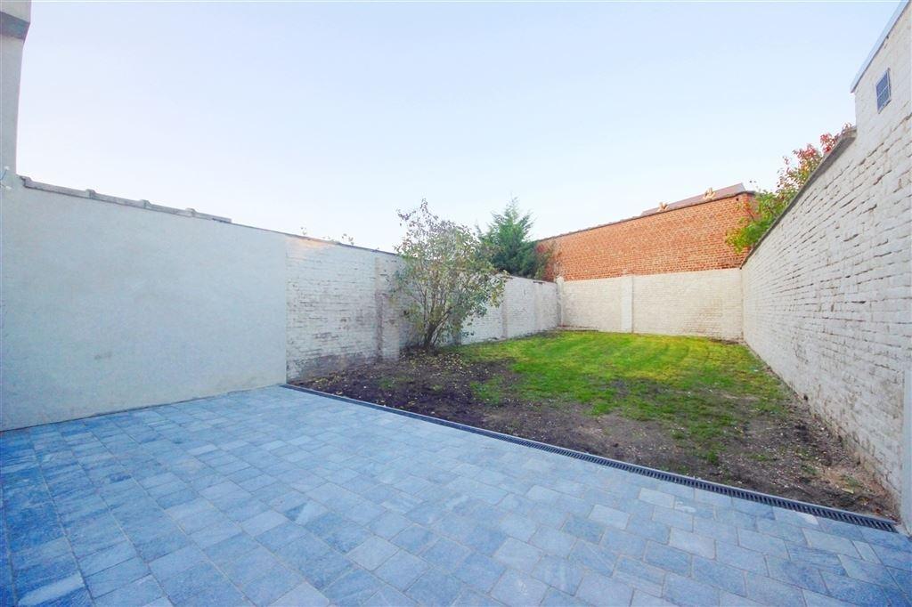 Instapklaar gerenoveerd appartement met ruime tuin for Appartement met tuin te koop