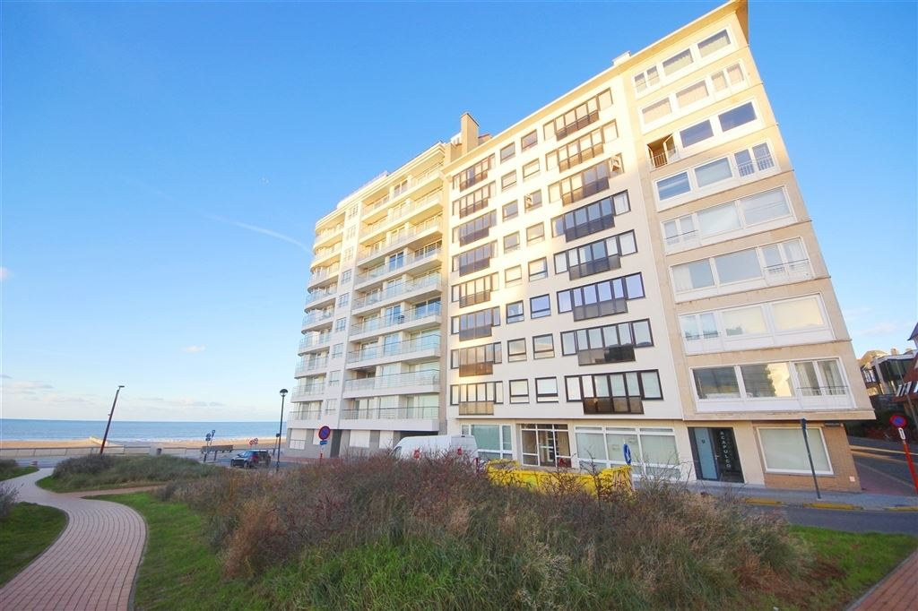 Ruim appartement met prachtig zicht te Duinbergen!