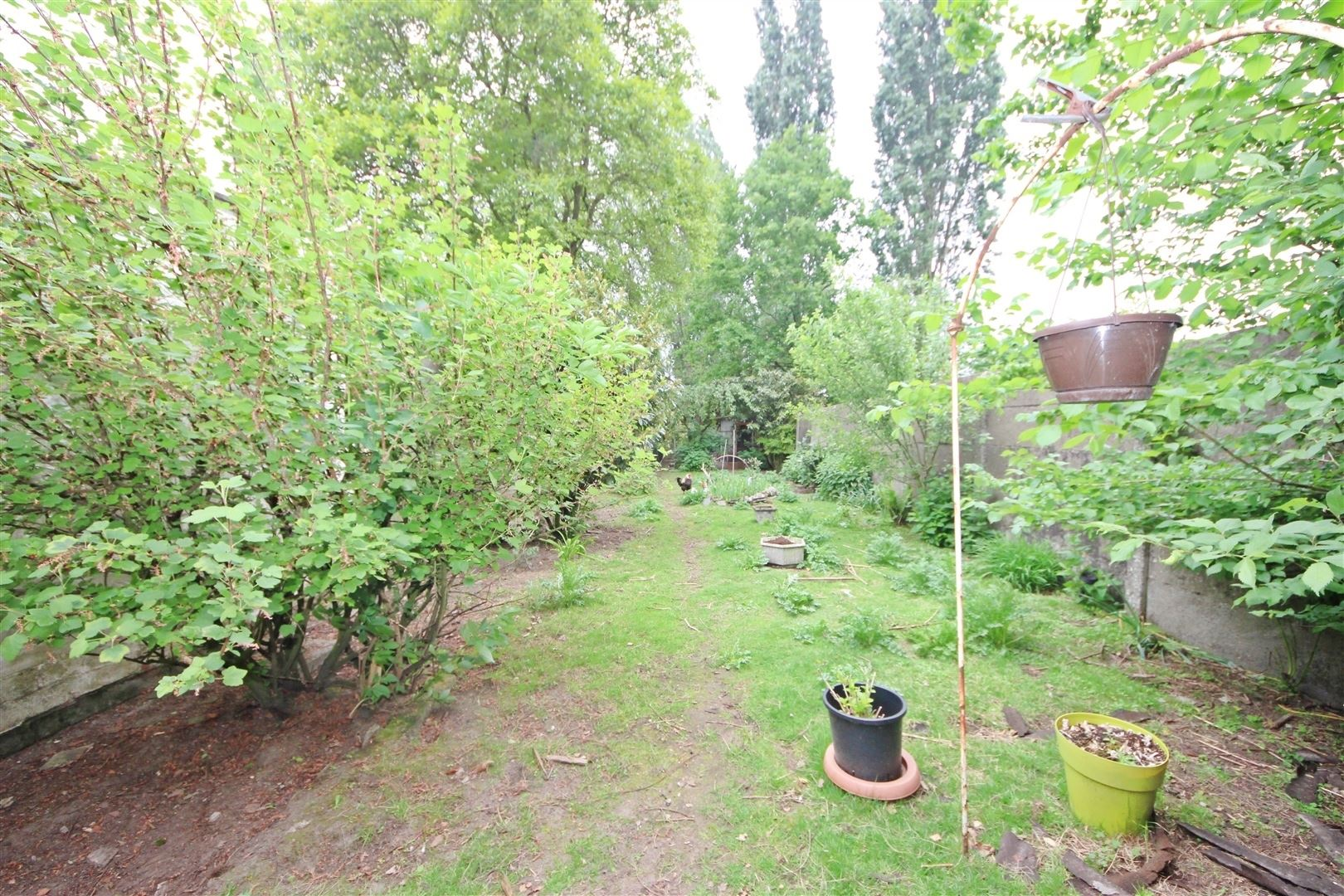 Te moderniseren woning met tuin