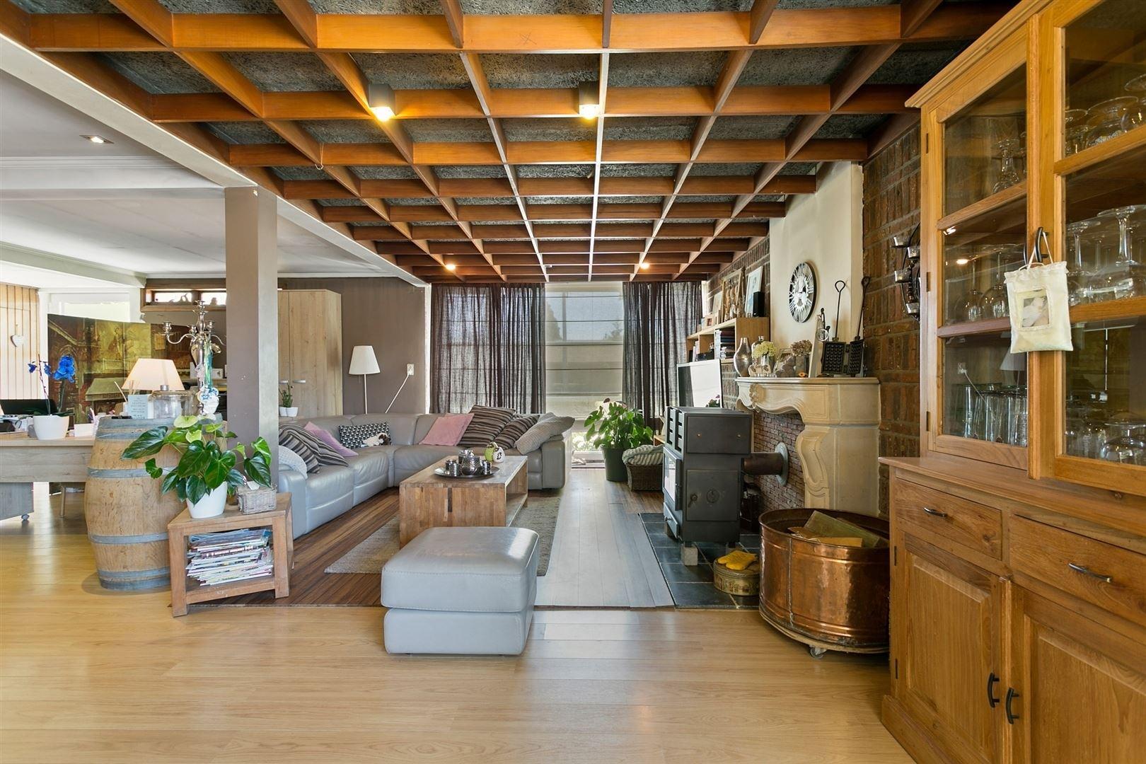 Woning met bijgebouw/loods op 1.782m²!